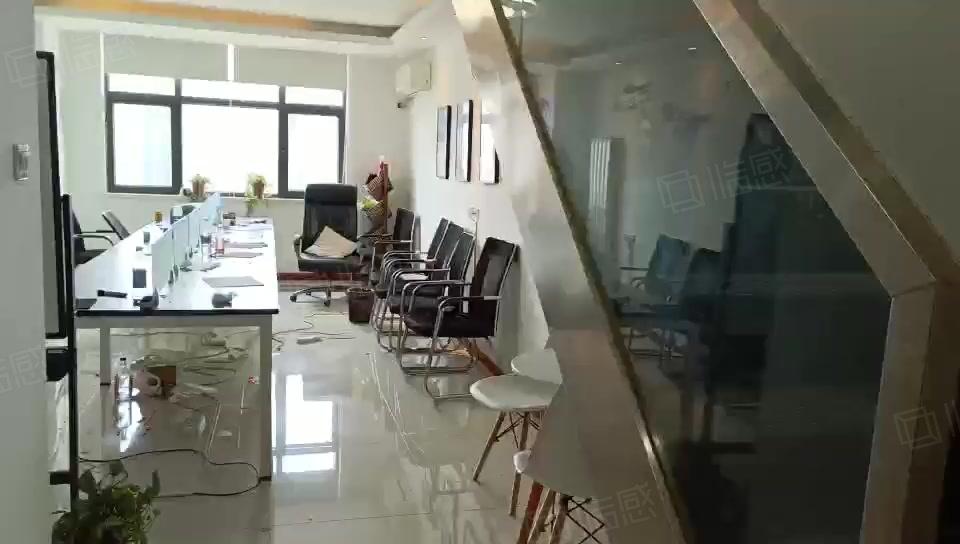 三爻地铁口72平2200带家具精装办公复试民水民电可注册